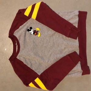Disney Mickey Mouse baseball tee size m